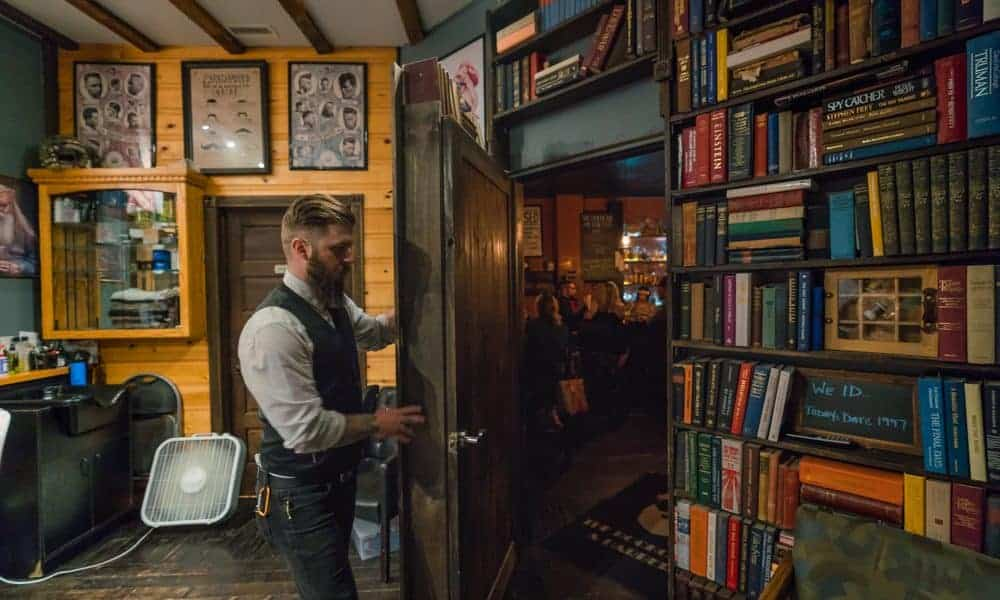 The-Bookcase-and-Barber-1-1000×600